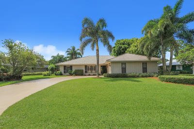 Martin County Single Family Home For Sale: 3661 SE Fairway W