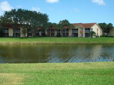 West Palm Beach Condo For Sale: 4103 Glenmoor Drive