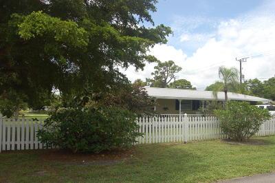 Stuart Single Family Home For Sale: 802 SE Flamingo Avenue