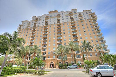 West Palm Beach Condo For Sale: 616 Clearwater Park Road #303