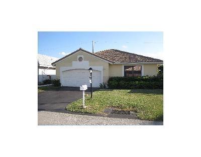 Davie Single Family Home For Sale: 14900 Newcastle Lane