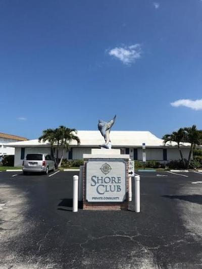 North Palm Beach Condo For Sale: 110 Shore Court #102-B