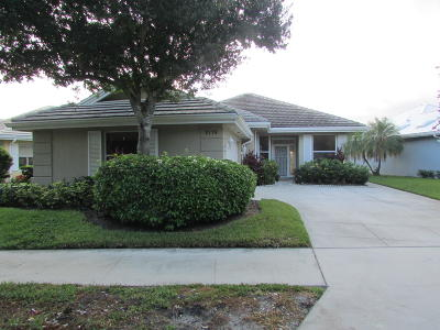 Palm City Single Family Home For Sale: 2119 SW Mayflower Drive