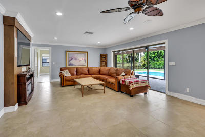 Tequesta Single Family Home For Sale: 81 Fairview E