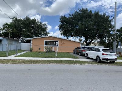 Miami Single Family Home For Sale: 1901 NW 155 Street