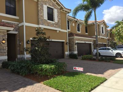 Parkland Townhouse For Sale: 9618 Waterview Way E #9618