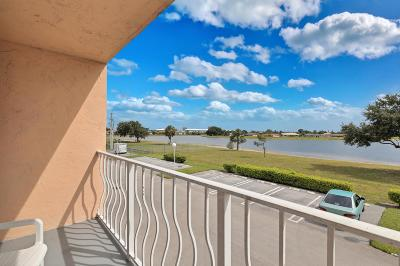 West Palm Beach Condo For Sale: 470 Executive Center Drive #2 C