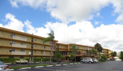 Boca Raton Condo For Sale: 9273 SW 8th Street #111