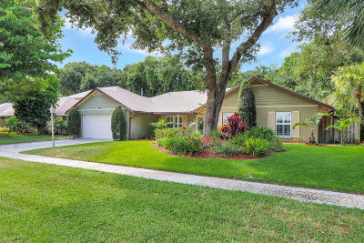 North Palm Beach Single Family Home For Sale: 2551 Pepperwood Circle