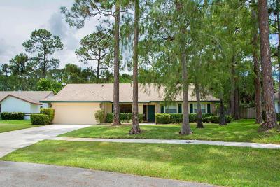 Wellington Single Family Home For Sale: 614 Indigo Avenue