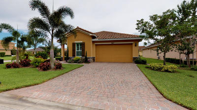 Port Saint Lucie Single Family Home For Sale: 9617 SW Royal Poinciana Drive