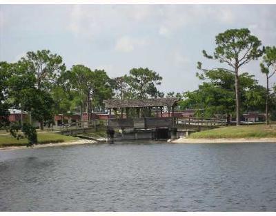Lake Worth Condo For Sale: 622 Laconia Circle