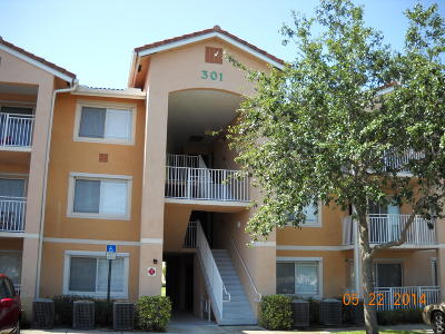 Port Saint Lucie Condo For Sale: 301 SW Palm Drive #208