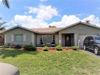 Tamarac Single Family Home For Sale: 9416 NW 72 Court