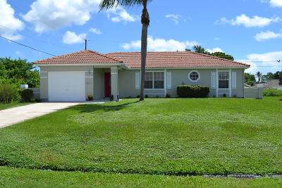 Port Saint Lucie Single Family Home For Sale: 6949 NW Daffodil Lane