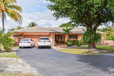 Miami-Dade County Single Family Home For Sale: 18600 Troon Drive