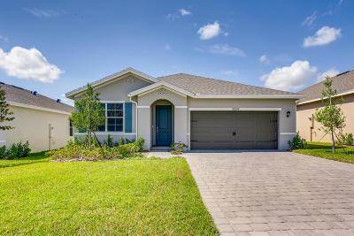 Single Family Home For Sale: 3004 NE Skyview Lane