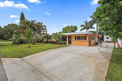 Tequesta Single Family Home For Sale: 19006 SE Mayo Drive