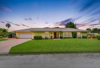 Martin County Single Family Home For Sale: 8079 SE Colony Drive