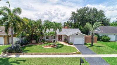 Boca Raton Single Family Home Contingent: 20529 Carousel Circle W