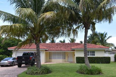 Lighthouse Point Single Family Home For Sale: 3860 NE 22nd Way