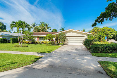 North Palm Beach Single Family Home For Sale: 673 Lakeside Drive