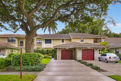 Deerfield Beach Townhouse For Sale: 3234 Lake Shore Drive