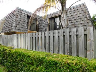 Vero Beach Townhouse For Sale: 310 E Waverly Pl Place #9d
