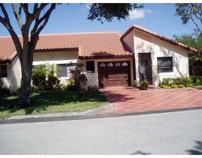 Delray Beach Single Family Home For Sale: 6219 Kings Gate Circle