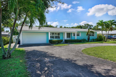 Jupiter Single Family Home Contingent: 19296 Country Club Drive
