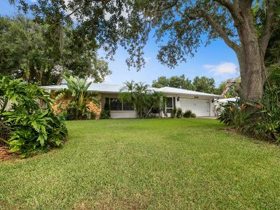 Lakewood Park Single Family Home For Sale: 6112 Deborah Way