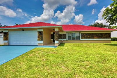Royal Palm Beach Single Family Home Contingent: 156 Bobwhite Road