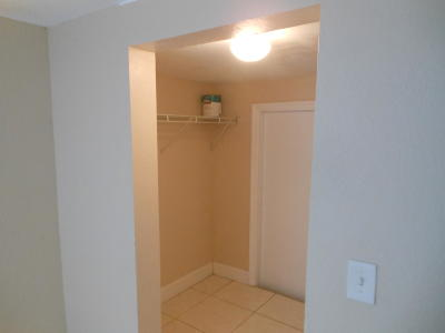 Boynton Beach Rental Contingent: 112 SE 9th Avenue