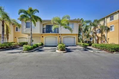 Royal Palm Beach Condo Contingent: 1500 Crestwood Court S #1512