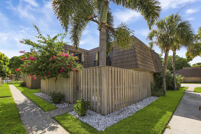 Palm Beach Gardens Townhouse For Sale: 1123 11th Court
