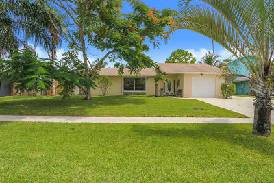 Royal Palm Beach Single Family Home Contingent: 221 Bobwhite Road