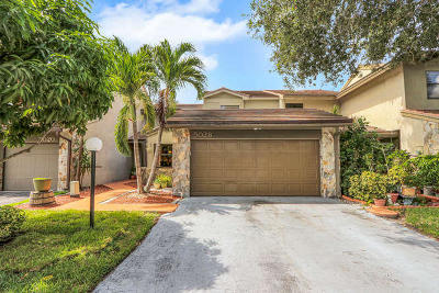 Palm Beach Gardens Townhouse For Sale: 5028 Cayenne Lane