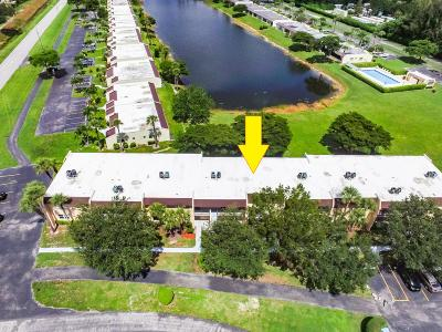West Palm Beach Condo For Sale: 120 Lake Constance Drive