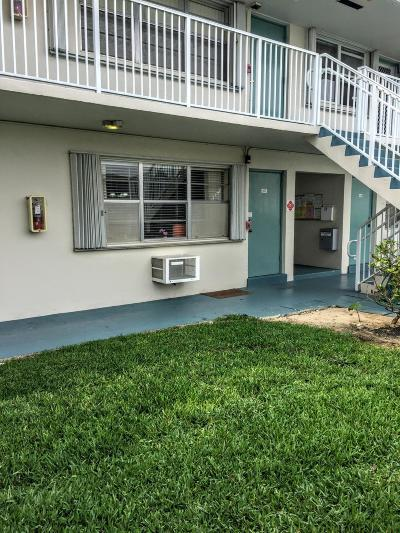 Boynton Beach Condo For Sale: 740 Horizons W #107