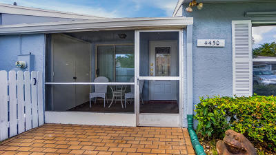 Lake Worth Single Family Home For Sale: 4450 Lucerne Villas Lane