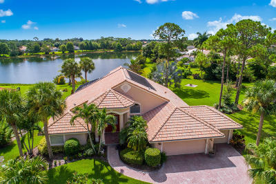 Martin County Single Family Home For Sale: 8026 SW Yachtsmans Drive