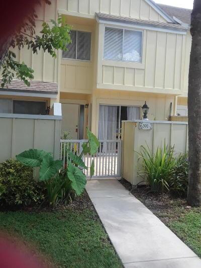 Townhouse For Sale: 6391 Riverwalk Lane #2