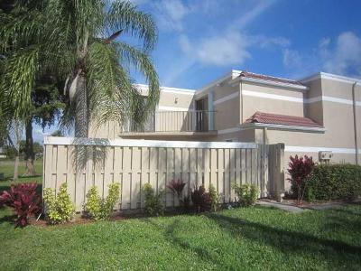 Delray Beach Townhouse For Sale: 4075 Village Drive #D