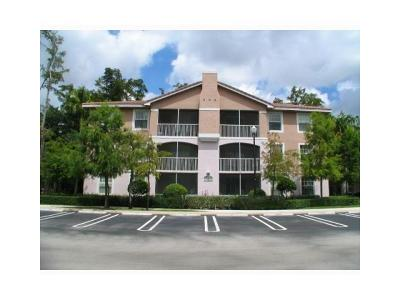 Coral Springs Condo Contingent: 6828 W Sample Road #B29