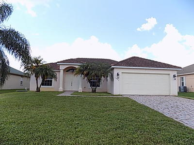 Port Saint Lucie Single Family Home Contingent: 1032 SW Fisherman Avenue