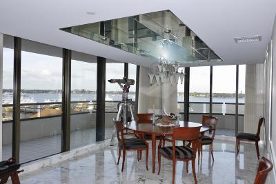 North Palm Beach Condo For Sale: 100 Lakeshore Drive #452