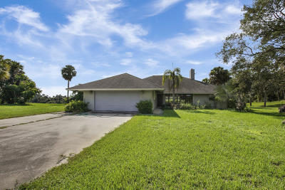 Martin County Single Family Home For Sale: 10675 SW Green Ridge Lane