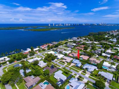 North Palm Beach Single Family Home Contingent: 118 Cruiser Road
