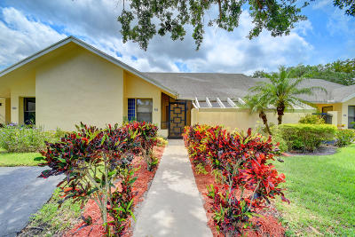 Boca Raton Single Family Home For Sale: 10926 Lake Front Place