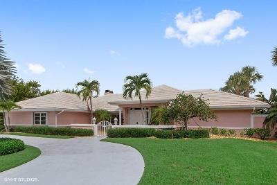 Martin County Single Family Home For Sale: 6741 SE Harbor Circle